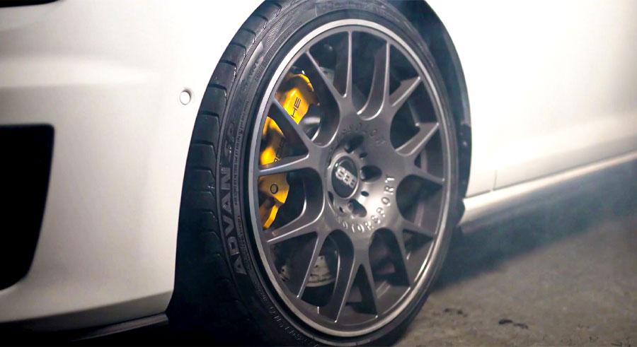 Volkswagen Golf GTI Stage 3 com upgrade de Freio da Porsche 911 Turbo S MadeForStreet